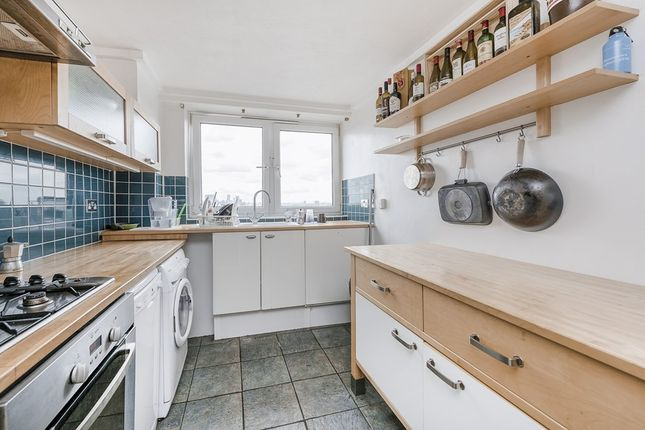 Thumbnail Flat to rent in Knottisford Street, London