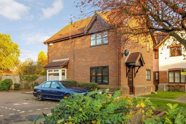 Thumbnail Terraced house for sale in Sutherland Place, Wickford