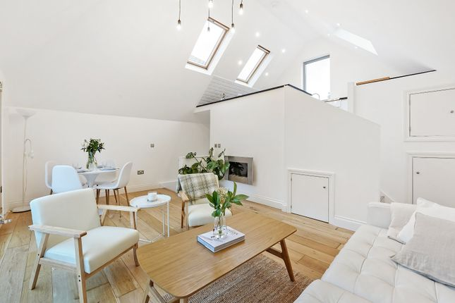 2 bed detached house for sale in Blandfield Road, London SW12