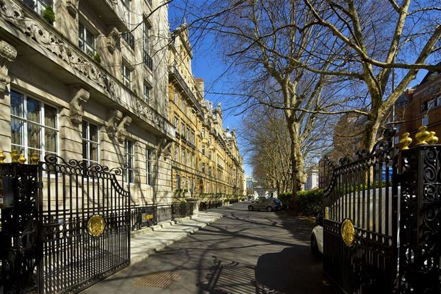 Thumbnail Flat for sale in Penthouse Flat Harley House, Marylebone, London
