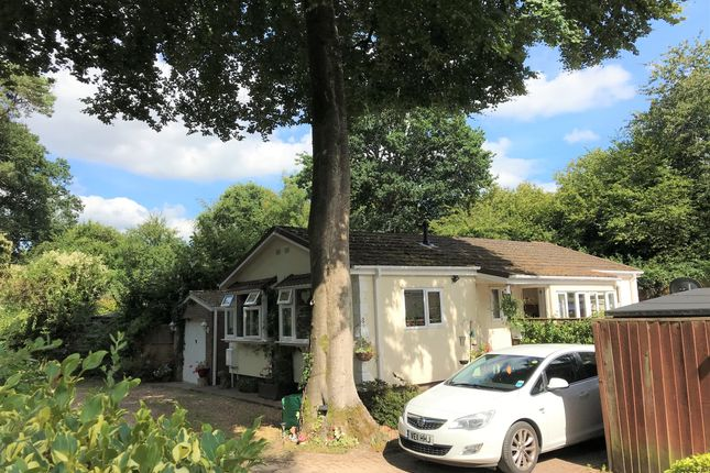 2 bed mobile/park home for sale in Avon View Cottages, Godshill, Fordingbridge SP6