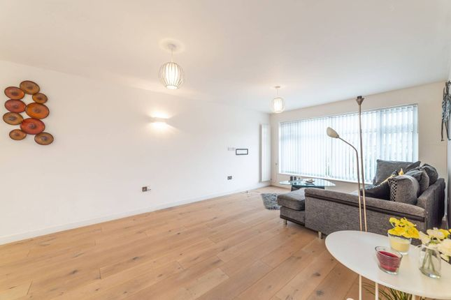 Thumbnail Flat to rent in Eversley Park Road, Winchmore Hill, London