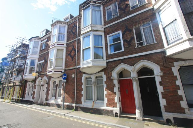 Thumbnail Flat to rent in Gloucester Street, Weymouth