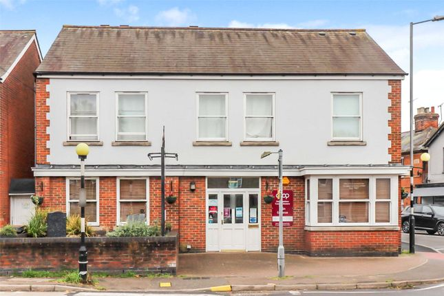 2 bed flat for sale in Baddow Road, Chelmsford CM2