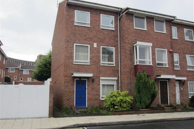 3 bedroom property to rent in Warblington Street, Portsmouth
