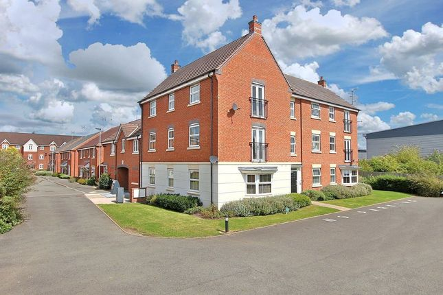 Thumbnail Flat for sale in Pitchcombe Close, Redditch