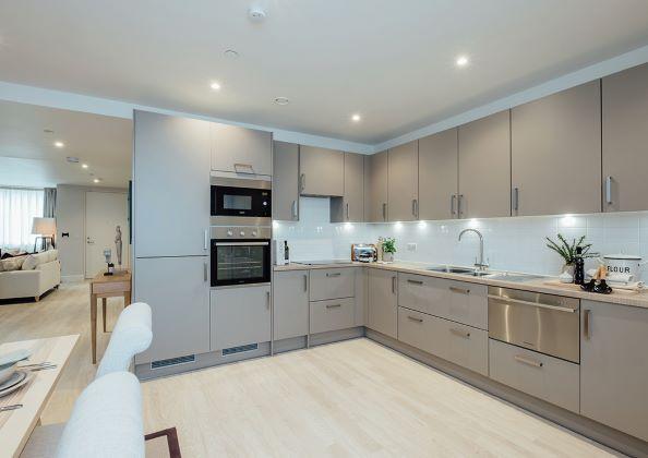 Thumbnail Flat to rent in Moors Nook, Horsell Moor, Woking, Surrey