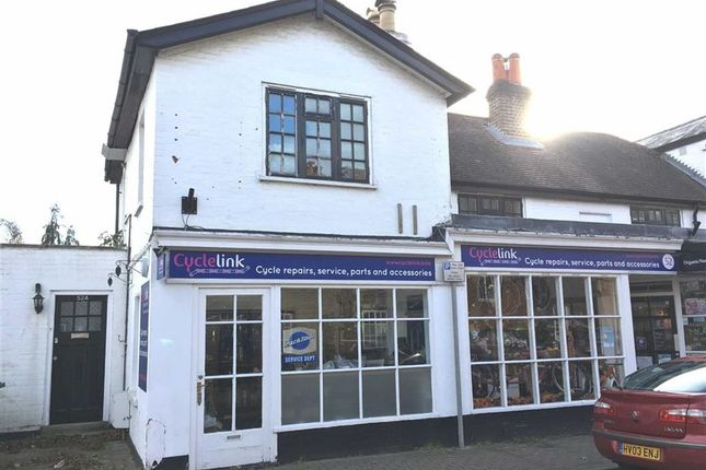 3 bed flat to rent in High Street, Thames Ditton, London