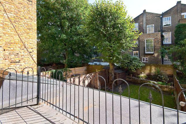 Picture No. 01 of Sutherland Avenue, Maida Vale W9