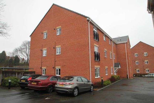Flat to rent in The Infield, Halesowen, West Midlands