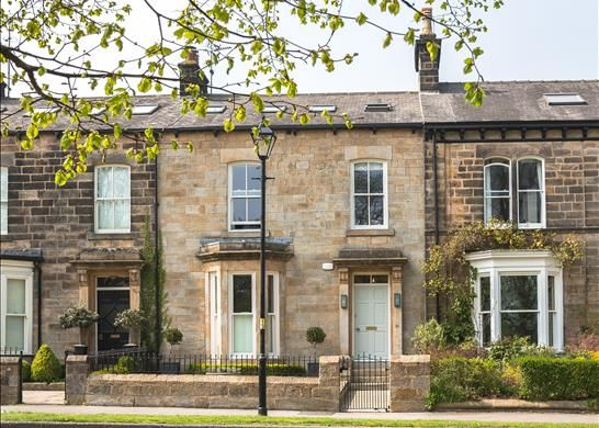 Thumbnail Terraced house for sale in Beech Grove, Harrogate, North Yorkshire