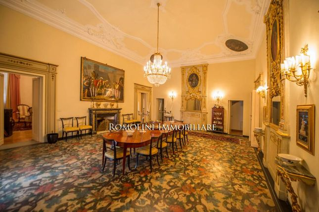 Historical Apartment In Prestigious Villa For Sale In Florence