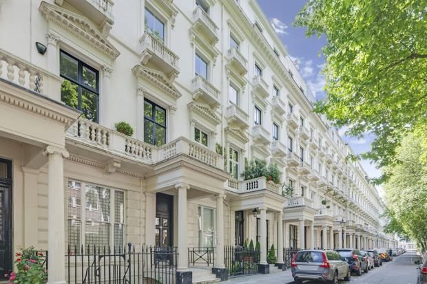 Thumbnail Flat for sale in Queens Gardens, Bayswater, London
