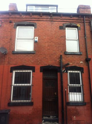 Thumbnail Flat to rent in Harlech Street, Leeds, West Yorkshire