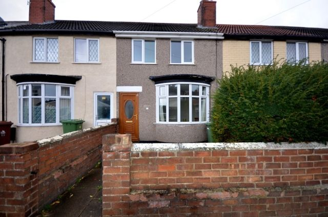 Thumbnail Terraced house to rent in Kathleen Grove, Grimsby