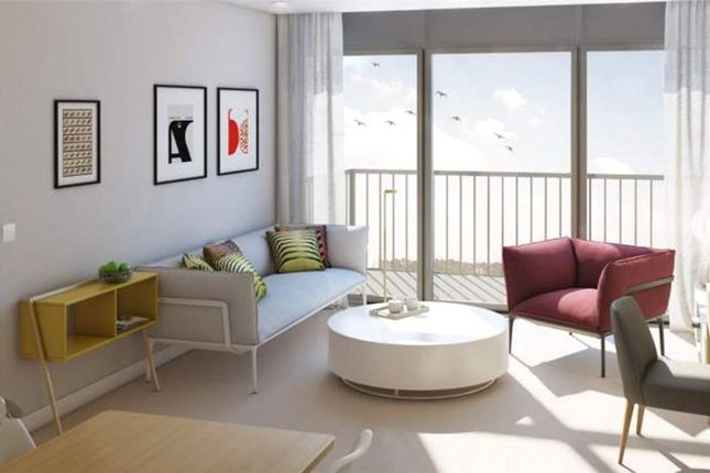 Thumbnail Flat for sale in Horizon Apartments, 51-69 Ilford Hill, Ilford, Greater London