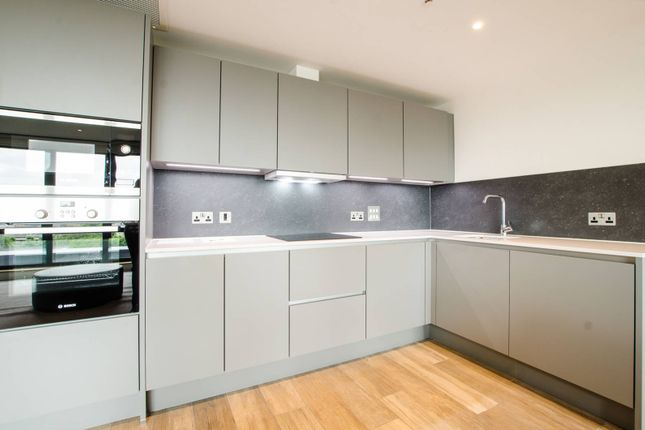 Thumbnail Flat to rent in Three Colts Lane, Bethnal Green