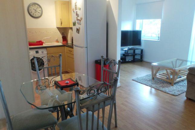 Thumbnail Flat to rent in Maplehurst Close, Bexley