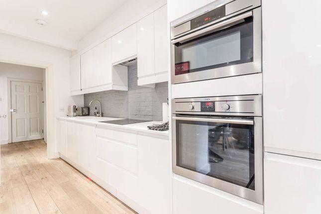 Thumbnail Flat to rent in Beresford Road, Islington