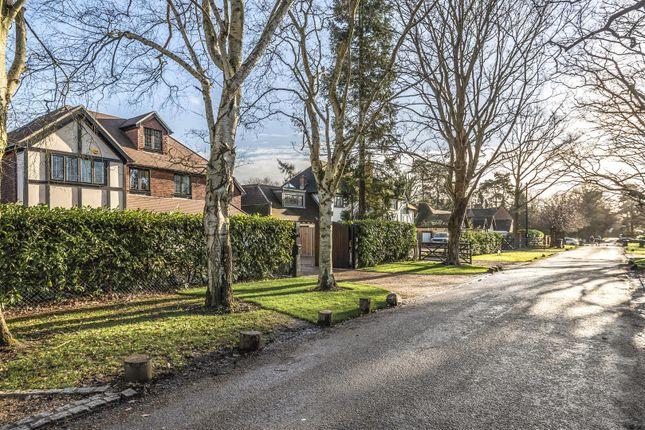 565421 (16) of Oak End Way, Woodham, Addlestone KT15