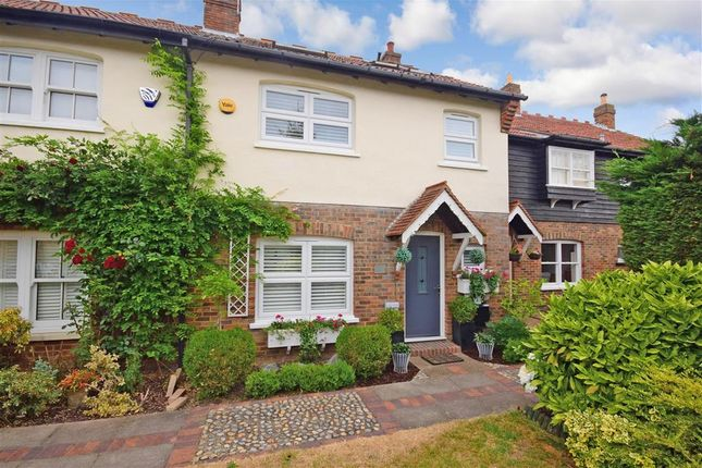 Thumbnail Terraced house for sale in The Magpies, Epping Green, Essex