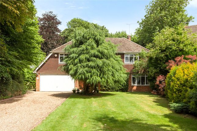Thumbnail Detached house for sale in Vicarage Close, Cookham, Maidenhead, Berkshire