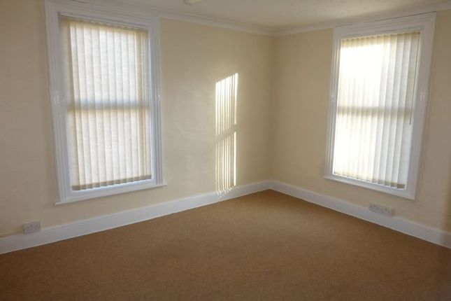 Thumbnail Flat to rent in High Street, Gorleston, Great Yarmouth