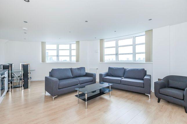 Thumbnail Flat to rent in High Street, Startford London