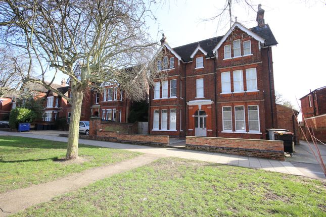 Thumbnail Flat for sale in De Parys Avenue, Bedford