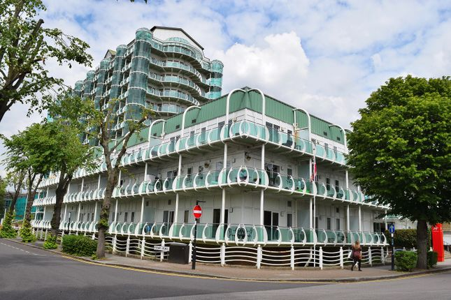 2 bed flat to rent in Tower Point, Sydney Road, Enfield, Middlesex