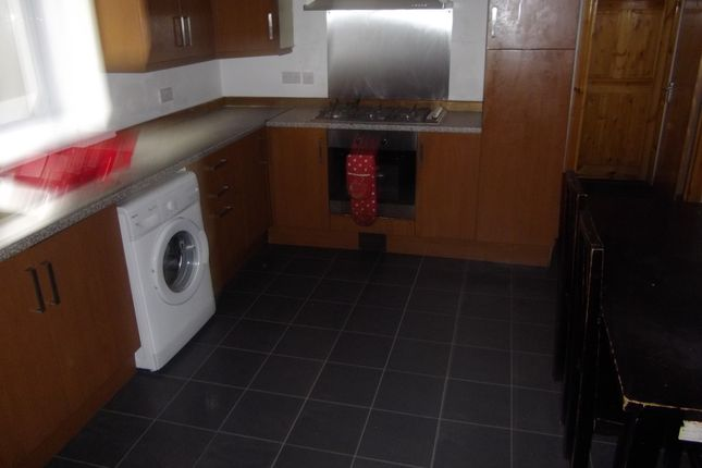 Thumbnail Shared accommodation to rent in 1 Brynymor Crescent, Swansea