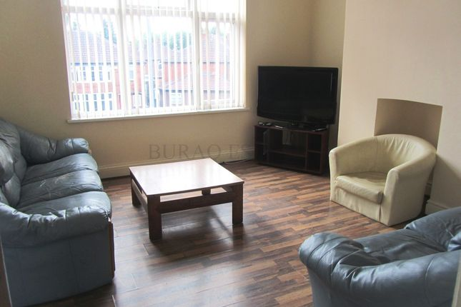Flat to rent in Mauldeth Road, Fallowfield, Manchester