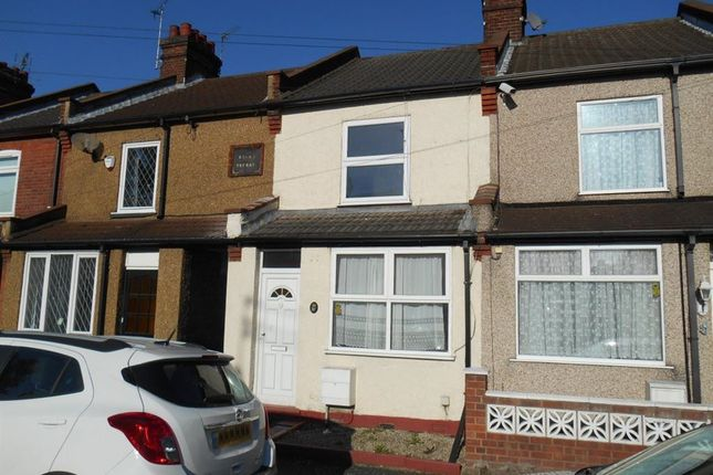 Thumbnail Semi-detached house to rent in Salisbury Road, Watford