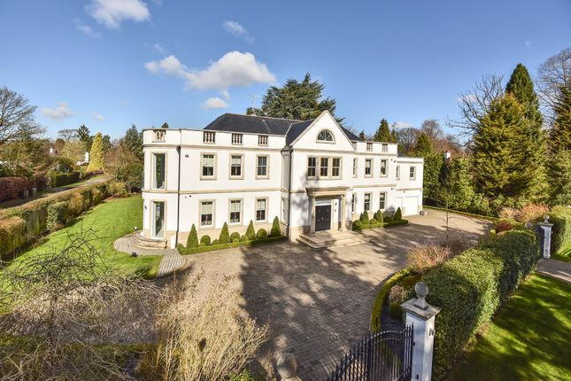 Thumbnail Detached house to rent in Warren Drive, Kingswood, Tadworth