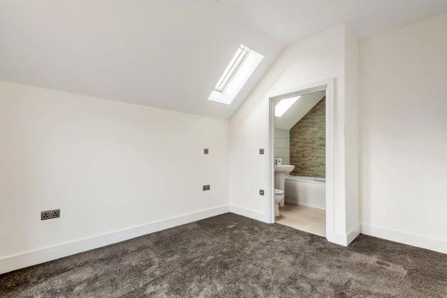 Picture 10 of York Road, Camberley GU15