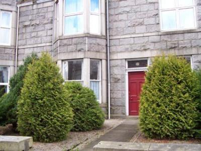 2 bed flat to rent in Forest Avenue, Aberdeen
