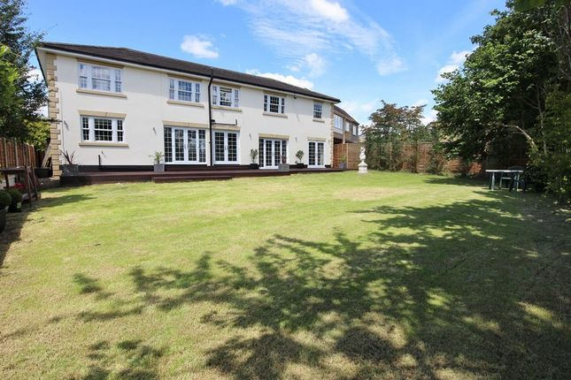 5 bed detached house for sale in Bassingbourne Close, Broxbourne