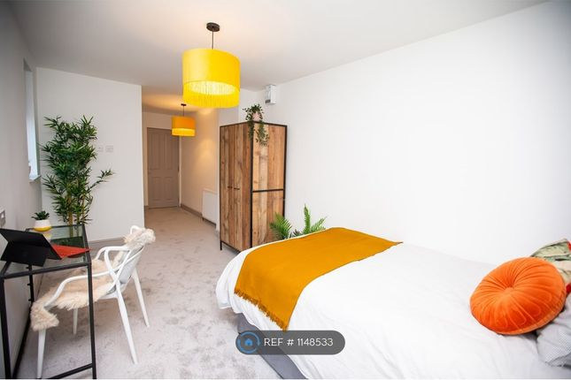 Thumbnail Room to rent in Room 4, Leigh