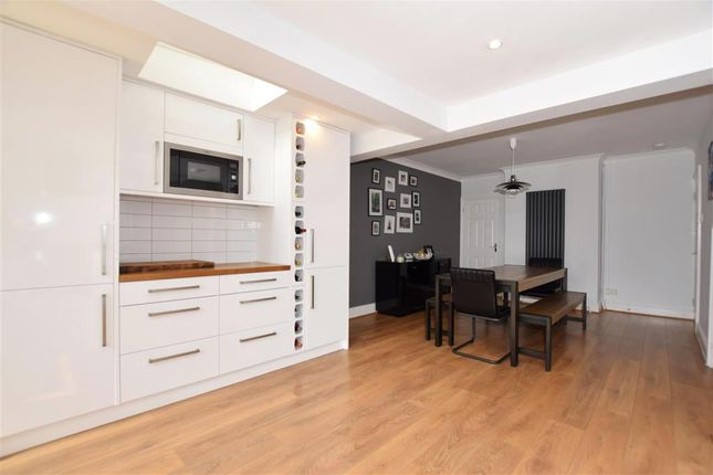 Thumbnail Terraced house for sale in Hythe Road, Ashford, Kent