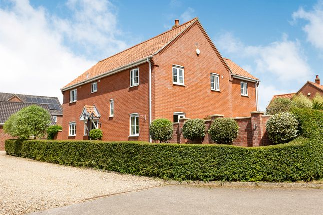 4 bed detached house for sale in Woodlands Court, Sparham, Norwich NR9