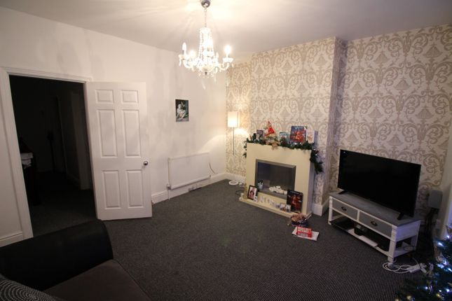 Thumbnail Maisonette for sale in Cambridge Street, Cleethorpes, South Humberside
