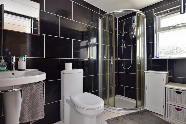 En-Suite of Clayhall Avenue, Clayhall, Ilford, Essex IG5