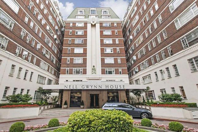 Flat to rent in Sloane Avenue, London