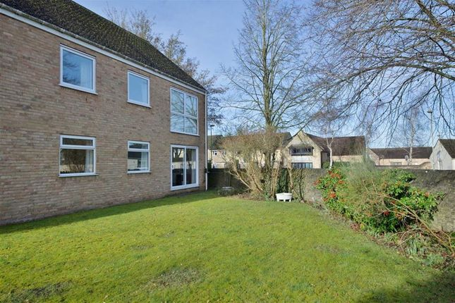 Thumbnail Flat to rent in Boundary Close, Woodstock, Oxon