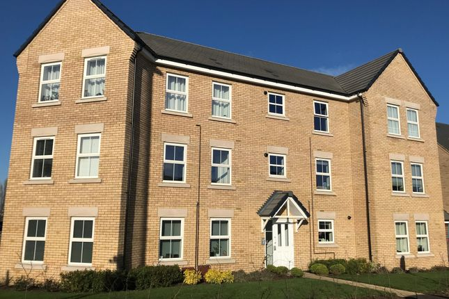 Thumbnail Flat for sale in Kestrel Way, Leighton Buzzard