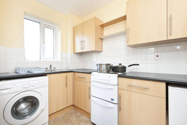 Thumbnail Flat to rent in Glyn Avenue, East Barnet