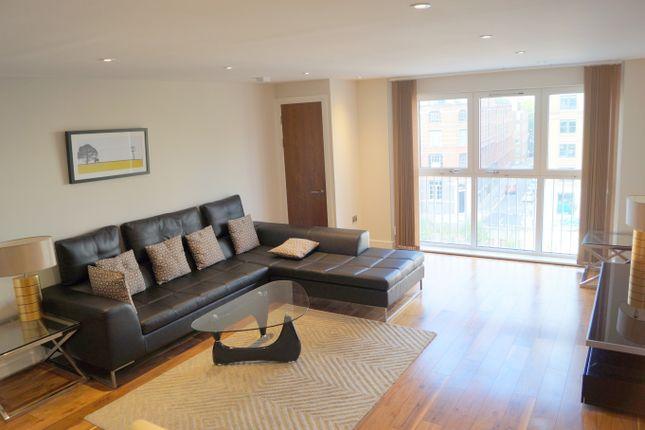 2 bed flat to rent in Wellsley Terrace, London