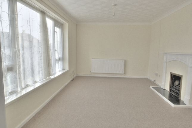 Thumbnail Flat for sale in Portfield Crescent, Llanishen, Cardiff