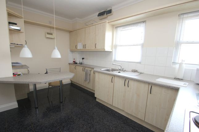 Thumbnail Flat for sale in Regency Court, Station Approach, Hockley