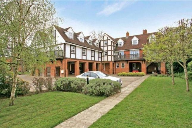 Thumbnail Flat for sale in Straight Road, Old Windsor, Windsor